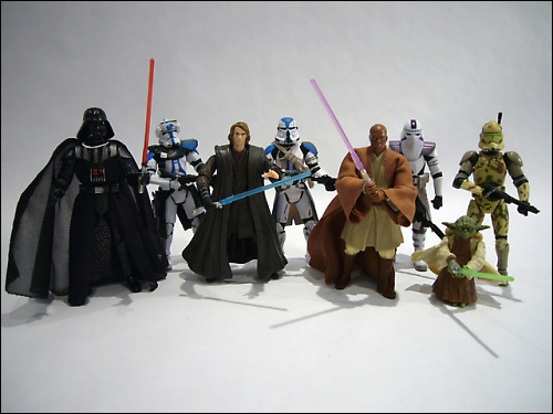 Target exclusives pair up Jedi (and Sith) with more super cool Clones.