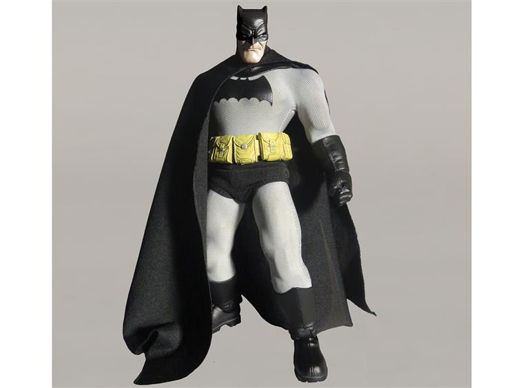 Mezco: Mezco One: 12 Collective BATMAN