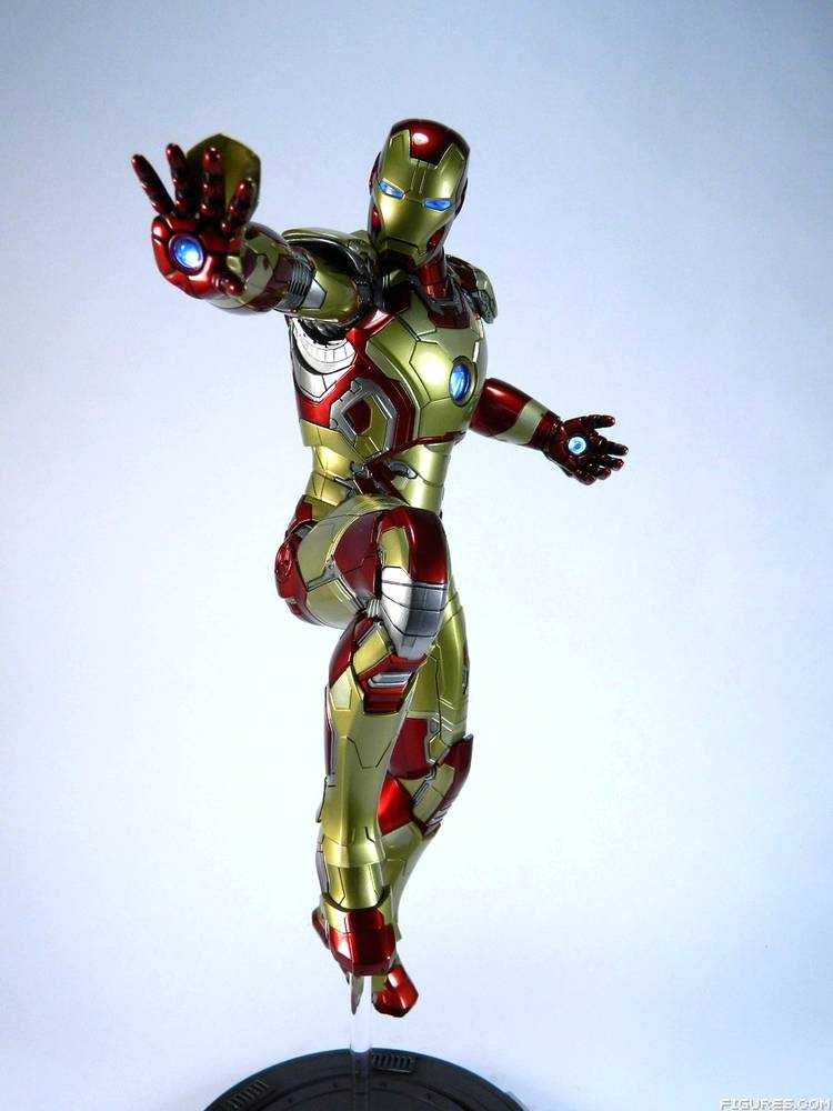 Power Pose Iron Man