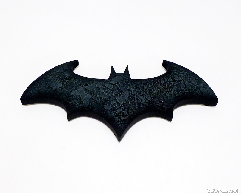 As Noted Above The Arkham Knight Stands On A Batman Symbol Base Low Profile Solid Piece That Has Lot Of Texturing And Black Gray Street Like Paint