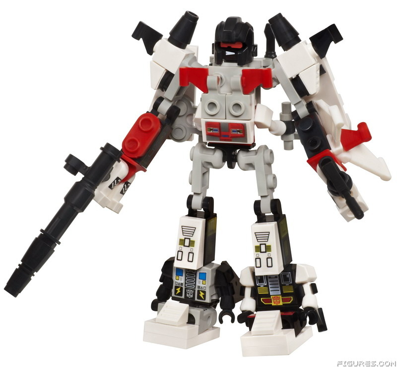 A2226_KRE-O_Transformers_Micro_Changer_Combiner_Superion_-_Combiner_Form