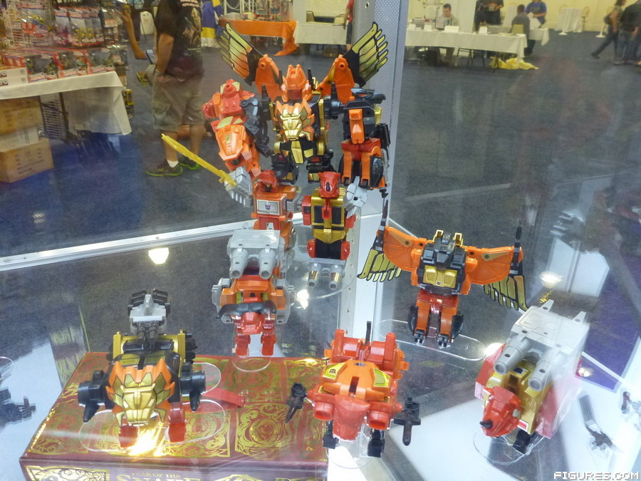 exclusive-predaking01