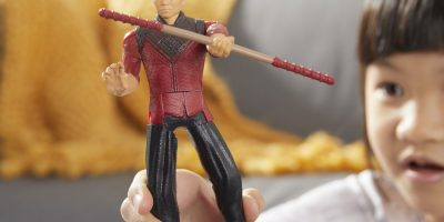 MARVEL SHANG-CHI AND THE LEGEND OF THE TEN RINGS 6-INCH SHANG-CHI Figure - lifestyle (1)