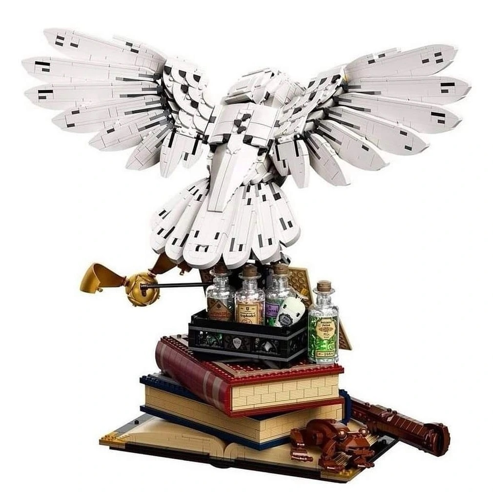 LEGO-Harry-Potter-Hogwarts-Icons-Collectors-Edition-76391-4