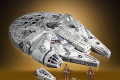 STAR WARS THE VINTAGE COLLECTION GALAXY'S EDGE MILLENNIUM FALCON SMUGGLER'S RUN Vehicle - oop (2)